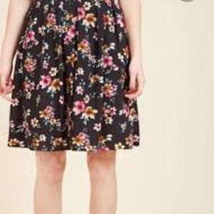 MODCLOTH 3X Floral Button Front Skirt
